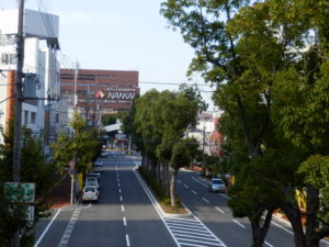 市駅前通りの現状